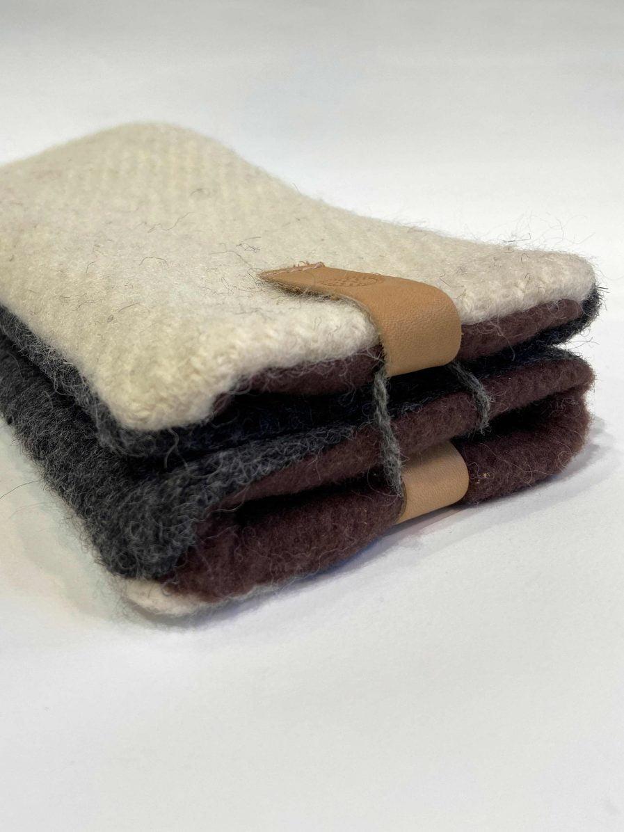 SARMA Gloves White With Dark Gray