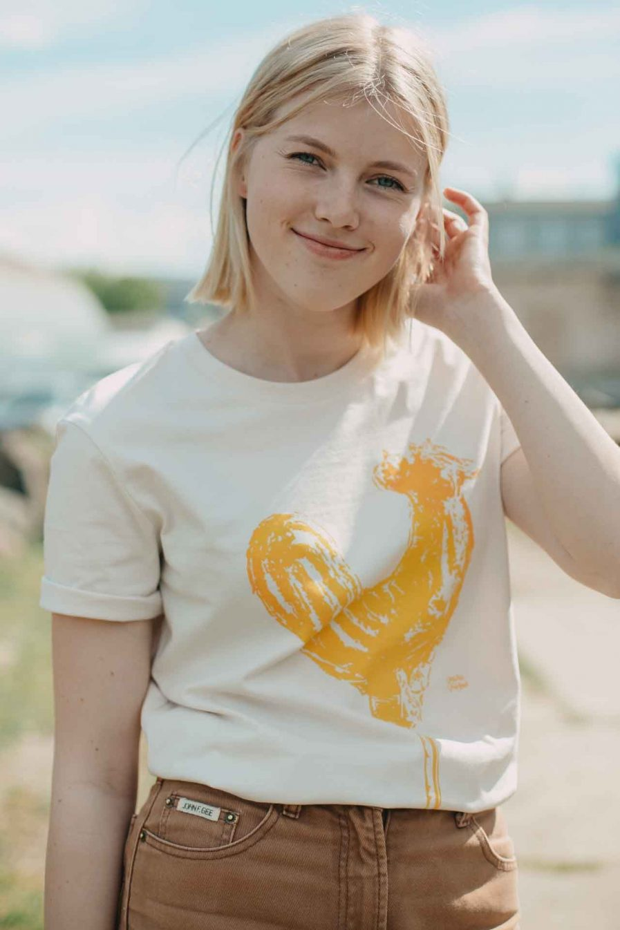 Vaira Vīksne Unisex Organic Cotton T-shirt BURNT SUGAR lollipop - Vintage white